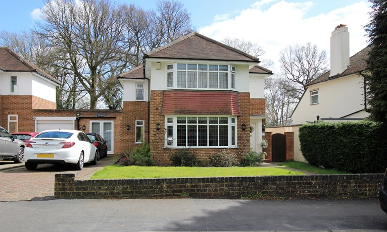 Four Bedroom Family House In Merstham