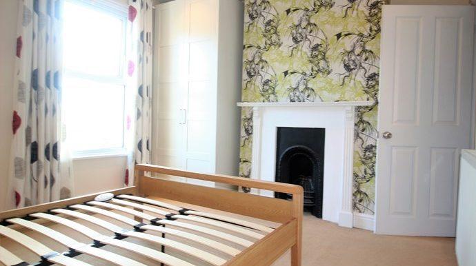 Bedroom One 2 (s)