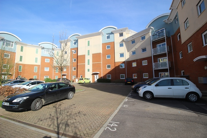 Two Bedroom Apartment with En suite and Balcony