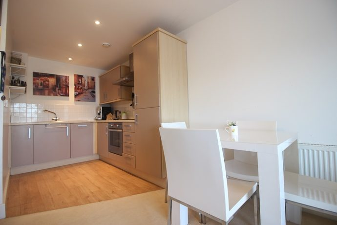 Kitchen Area (s)