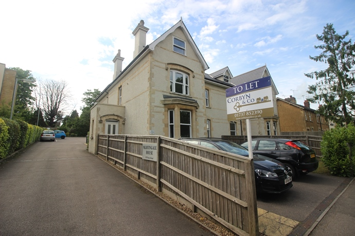 One Bedroom Split Level Flat In Earlswood