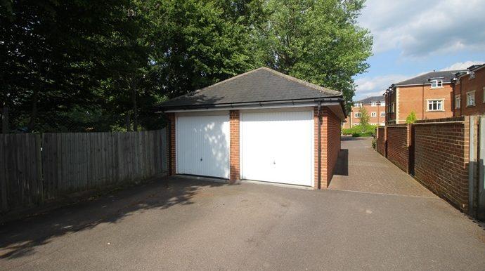 garage(s)