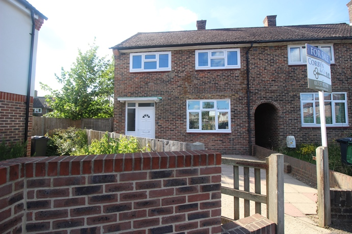 Beautifully Renovated Three Bedroom House in Merstham