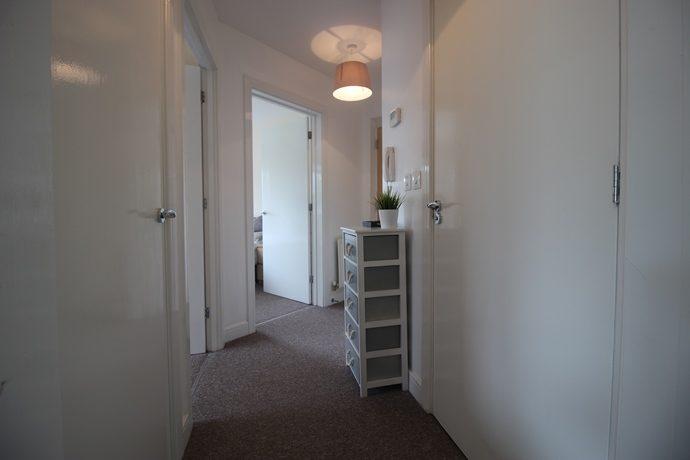 Hallway (s)