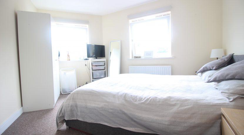 Master Bedroom 2 (s)