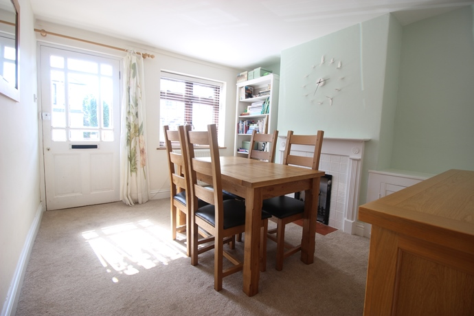 two double bedroom cottage in reigate - estate agents in redhill