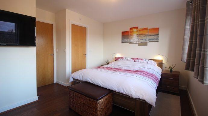 Bedroom 1 (s)