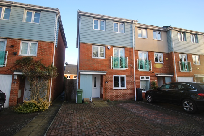 Four Bedroom Townhouse on Park 25