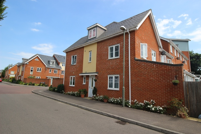 Four Bedroom Family Home on Park 25 Development