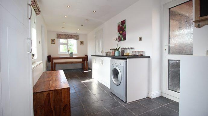 Kitchen & Breakfast Room (s)