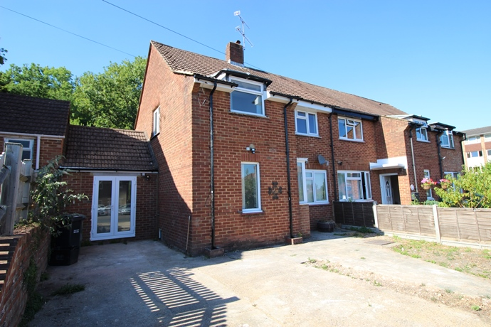 Three Bedroom Renovated Semi Detached House in Redhill