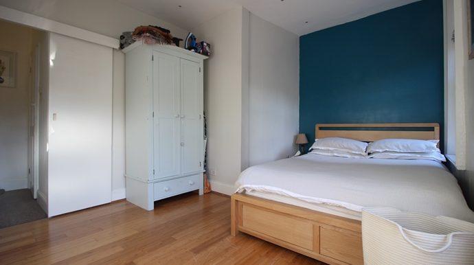 Bedroom (s)