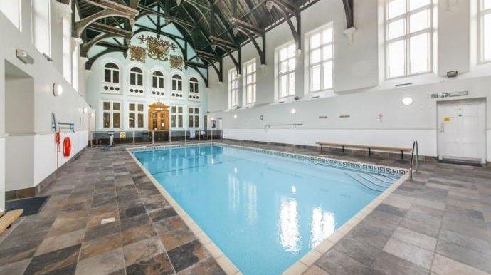 Pool 2 (s)