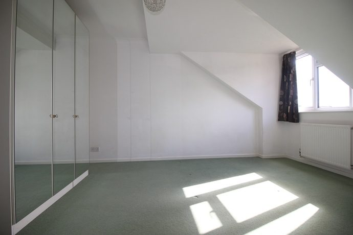Bedroom Two 4 (s)