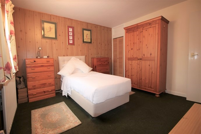 Bedroom Two 2 (s)