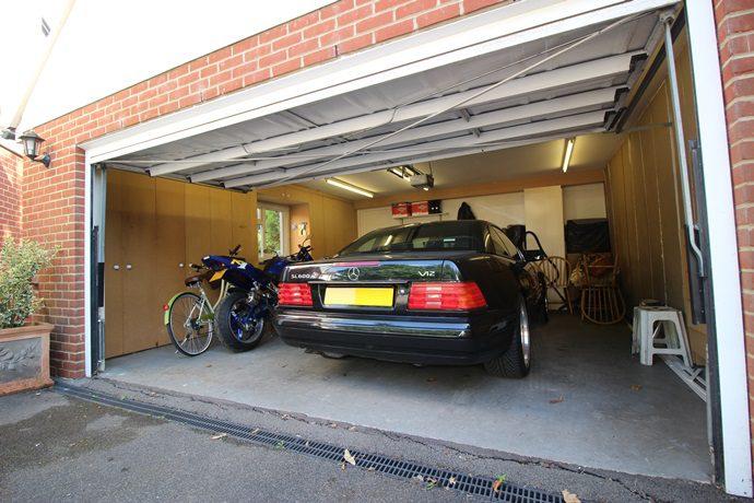 Garage 1 (s)