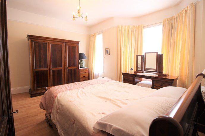 Mater Bedroom 3 (s)