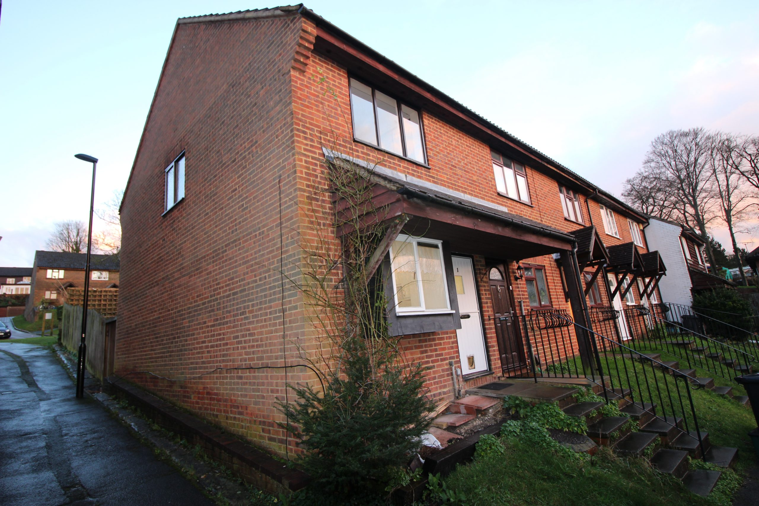 Two Bedroom End of Terrace House in Purley