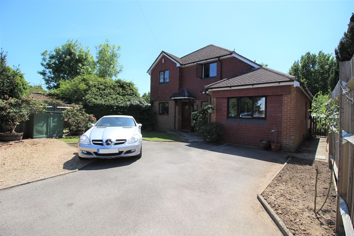 Four Bedroom Detached Family Home with Large Garden