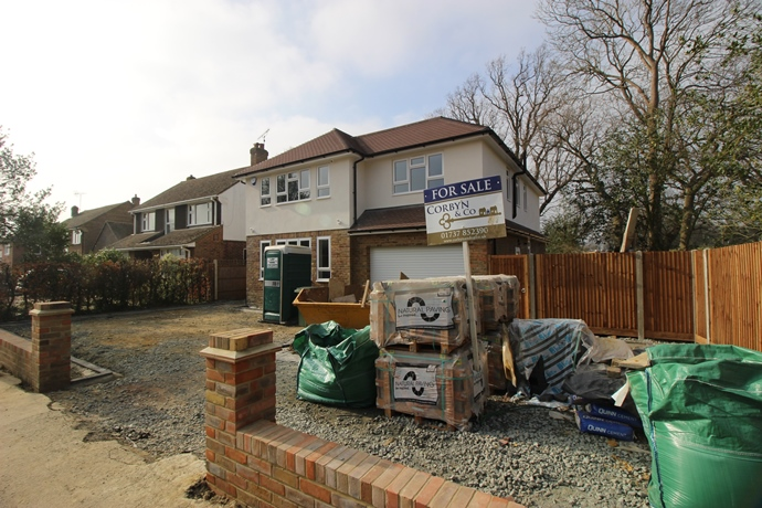 Four Bedroom Detached Extended House in Sought After Location