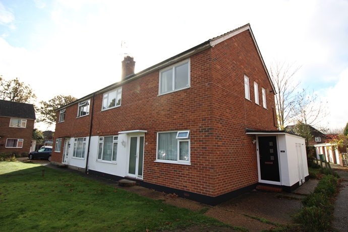 Two Double Bedroom First Floor Maisonette in Horley
